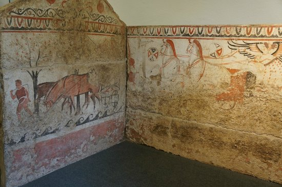 Museo Archeologico Nazionale di Paestum: Etruscan tomb paintings