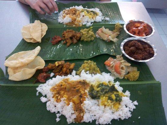 restoran saravanna : Excellent vegetarian banana leaf banquet