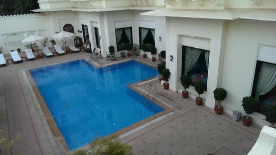 Hotel Swaroop Vilas: Piscina hotel swarop vilas