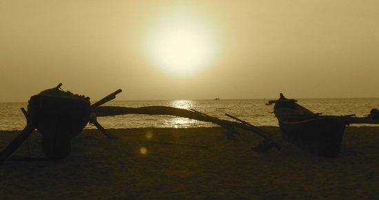 Palm Trees Resort: Beach at sunset