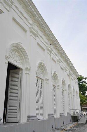 St. George's Church: Beautiful White Church