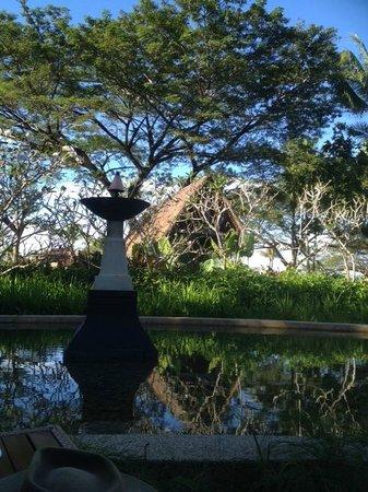 Shangri-La's Rasa Ria Resort & Spa : general view in gardens