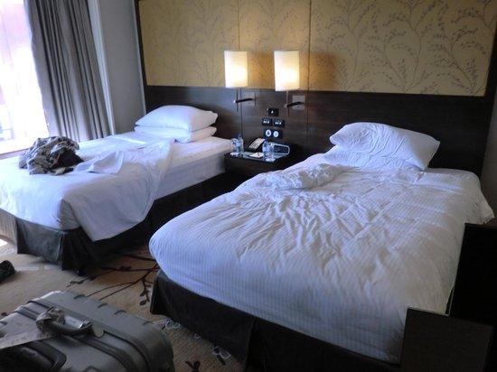 Shangri-La Hotel Sydney: ベッドは気持ちいいし、何度もきれいにしてもらえてよかった。