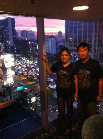 Ibis Jakarta Slipi: Balcony 11th floor