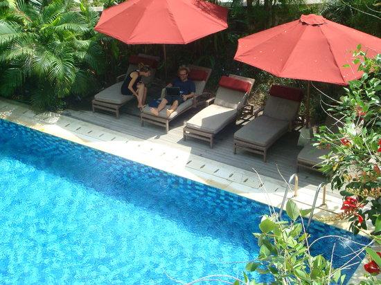 Pondok Sari Kuta Bali: Swimming Pool