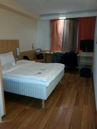 Hotel Ibis Wien Messe: Stanza spaziosa e pulita!
