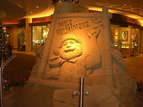 Sheraton Waikiki : 2013年Xmassの砂の彫刻、サンタ