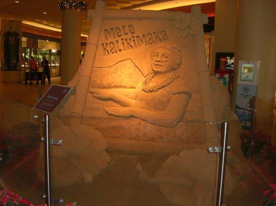 Sheraton Waikiki : 2013年Xmassの砂の彫刻、裏