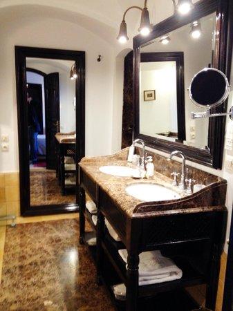 L'Heure Bleue Palais : Suite - bathroom