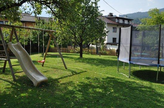 Appartements Umfahrer: giardino