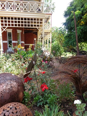 Earlsferry Bed and Breakfast: Great garden scene