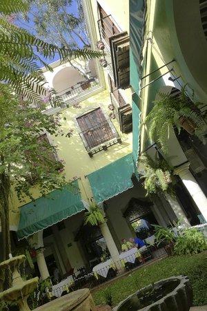 El Meson del Marques: Great location