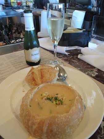 Boudin at the Wharf : Soup in sour dough bread crust with Prosecco
