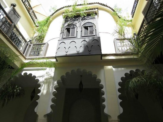 Riad Ambre et Epices: This is what you see when you walk the front door