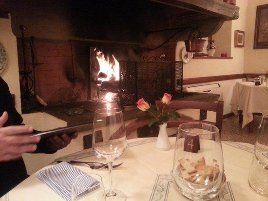 Trattoria Donnini : mangiare al calore del camino.... ottimo