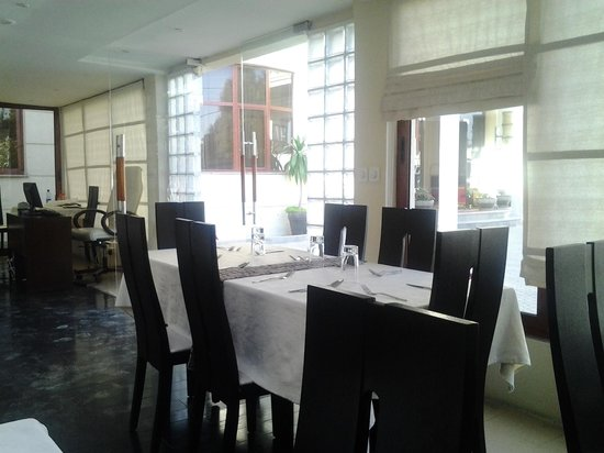 Tizeze Hotel: Dining Room