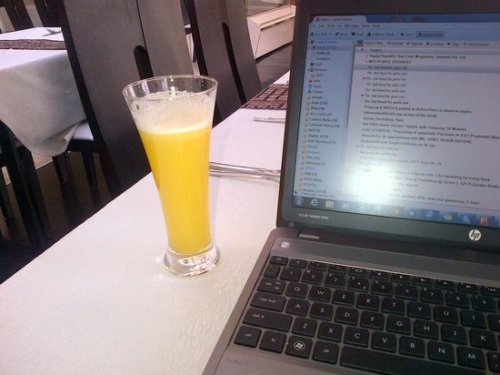 Tizeze Hotel: My Favorite Fresh Pineapple Juice