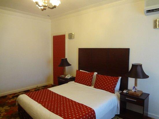 Shaygan Hotel: room