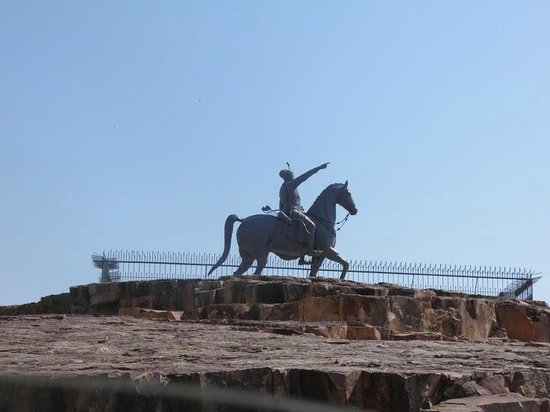 Rao Jodha Ji Statue : The Rao Jodha Ji on Horse