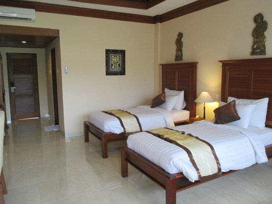 Bhuwana Ubud Hotel: Room with twin beds