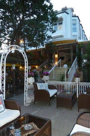 Hotel Vina del Mar Pineta: La Piazzetta