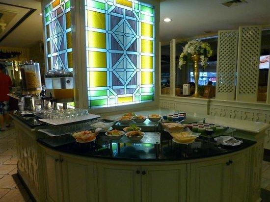 The Tawana Bangkok: Buffet petit-déjeuner