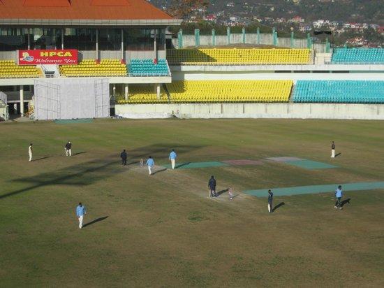 Aveda Hotel, Dharamshala: Live staff match