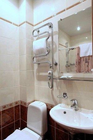 Kholstomer Mini Hotel: Bathroom