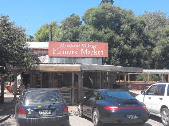 Matakana Village: farmers market