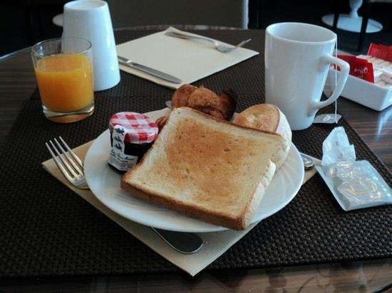 AC Hotel by Marriott Ambassadeur Antibes- Juan les Pins: colazione