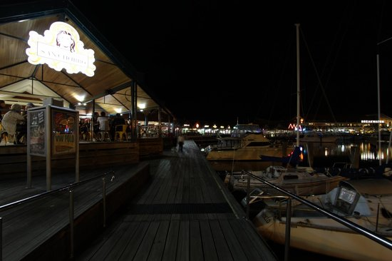 Hillarys Boat Harbour: Hillary's harbour at night
