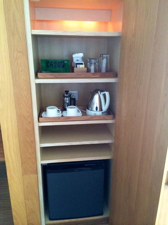 The Opposite House: Fee mini bar