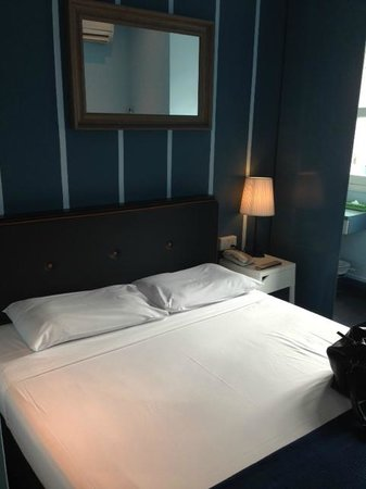 Park 22 Hotel : The bed (very hard!)