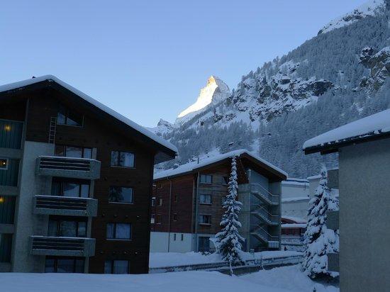 Ambassador Hotel Zermatt : Matterhorn from balcony