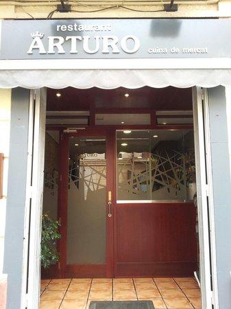 Restaurante arturo en barcelona con cocina mediterr nea for Restaurante cocina catalana barcelona