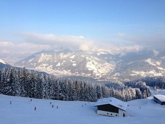 Hotel Gruener Baum: view from schmittenhoe