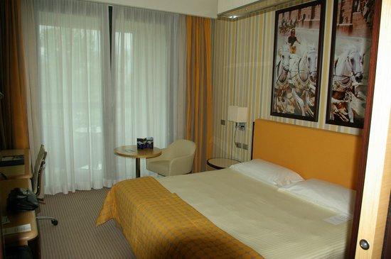 Atahotel Varese: Zimmer
