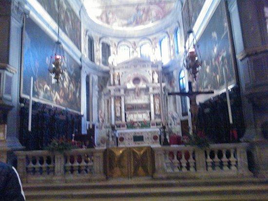 Scuola Grande di San Rocco : Altare maggiore, piccolo ma maestoso