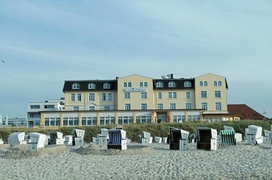 Upstalsboom Strandhotel: Hotel Außenansicht