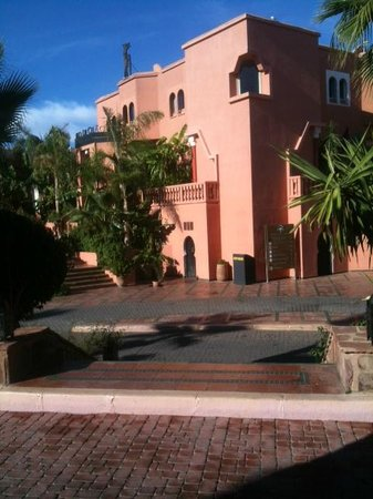 Palmeraie Palace: front of the hotel