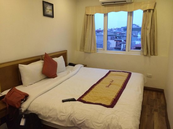 Hanoi Charming Hotel: City view room