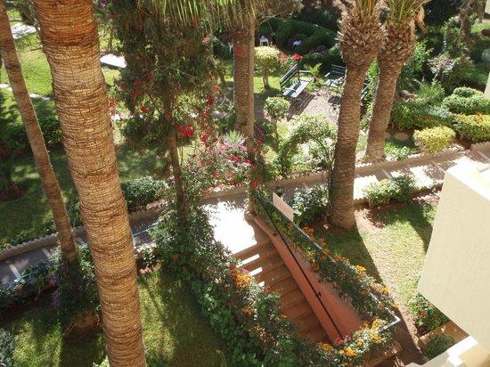 BEST WESTERN Odyssee Park Hotel : jardin fleurie