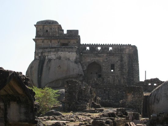 Hotel River View: Madan Mahal Fort