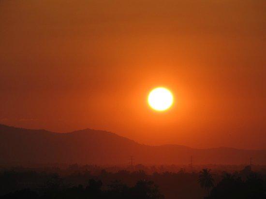 Pakse Hotel: coucher de soleil