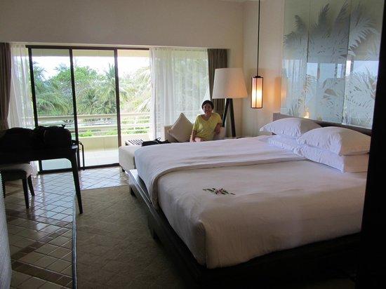 Hilton Phuket Arcadia Resort & Spa: Deluxe-værelse med havudsigt