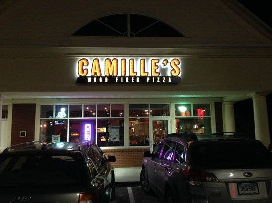 Camille's Wood Fired Pizza @ 23 Fieldstone Commons, Tolland, CT