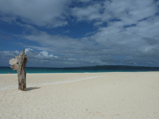 Alta Vista de Boracay: The beach view