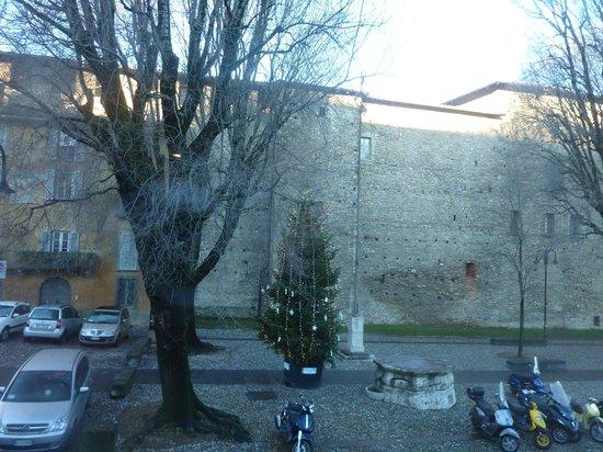 Hotel Relais San Lorenzo: вид из окна