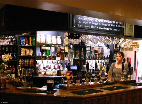 Royal Union Inn: 8 Real Ales