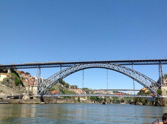 Eurostars Das Artes Hotel: Outra vista da ponte de ferro